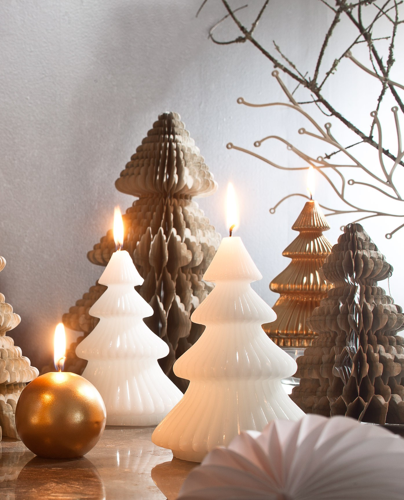 bougies-decorative-sapin-papier-plie-15cm
